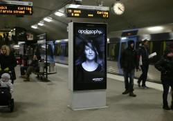 Intelligentes Werbeplakat in Stockholm reagiert auf Umwelt